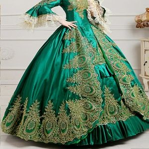 🆕Emerald green ball gown
